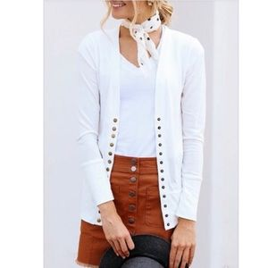 Jackets & Blazers - Winter white long sleeves snap cardigan